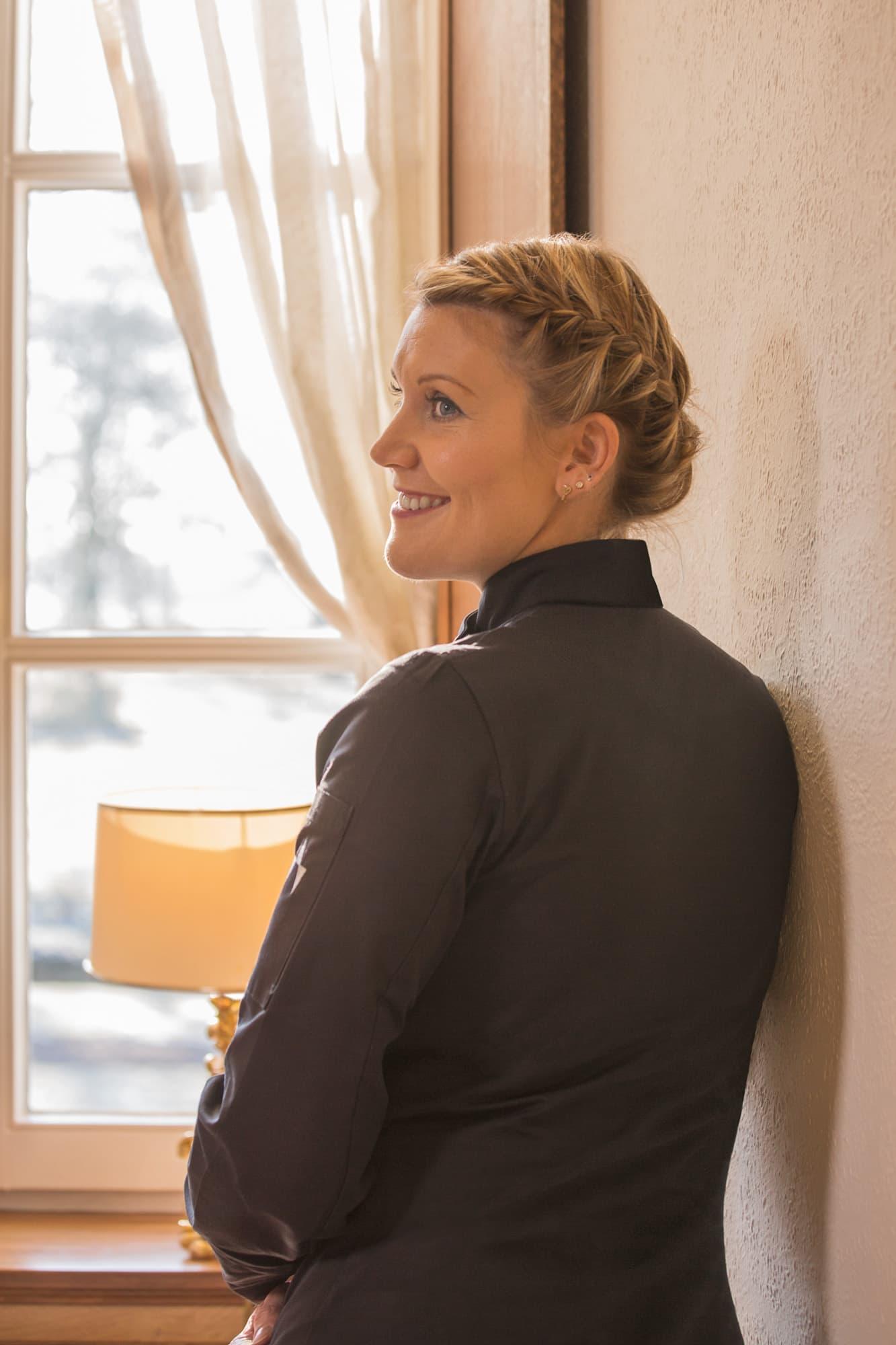 """Business-Portrait von Julia Komp, Deutschlands jüngster Sterneköchin für Editorial des Magazins """"Hotellerie & Gastronomie"""""""